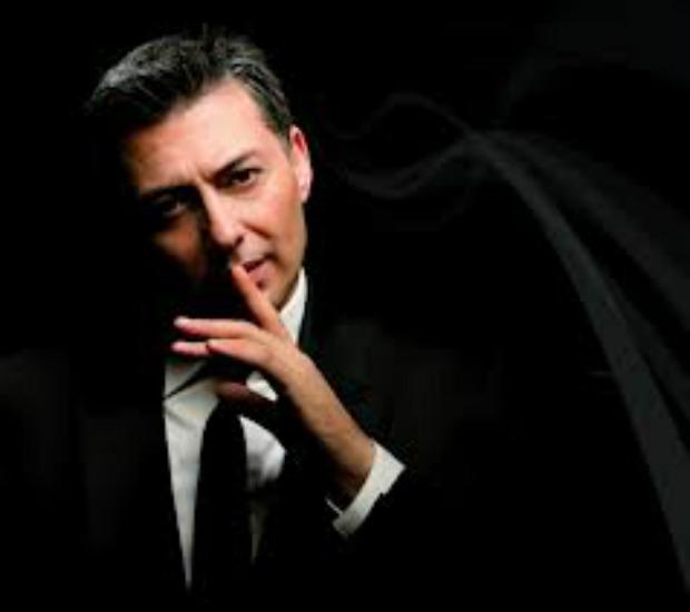 Νίκος Μακρόπουλος , πάρτυ